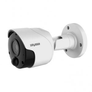 Мультиформатная видеокамера со встроенным датчиком PIR